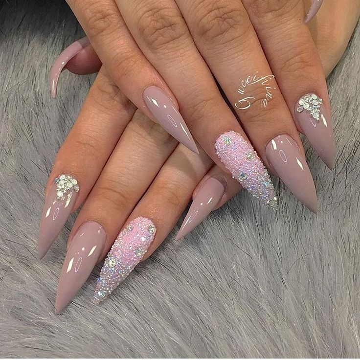 1000 ideas about acrylic nails glitter on pinterest nail fashion matt nails and prom nails. Black Bedroom Furniture Sets. Home Design Ideas