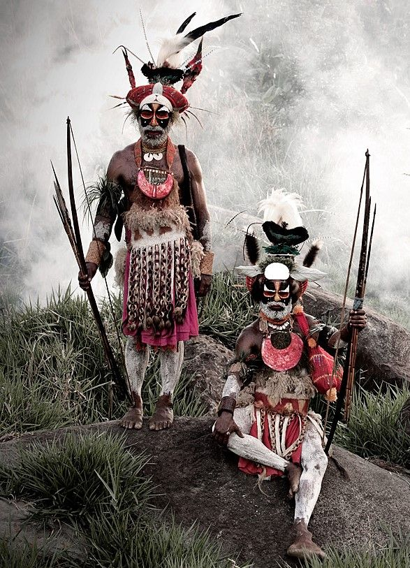 "Goroka men, Papua New Guinea in Jimmy Nelson's ""Before they pass away"""