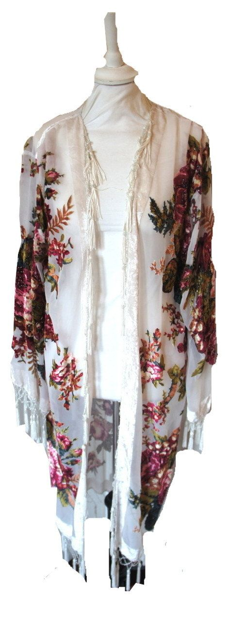 Vintage style 1920s inspired loose long #kimono velvet jacket. In sheer white and featuring a #vintage inspired floral #design