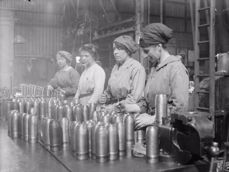 30 Incredible Photos of the Canary Girls, Female Munition Workers in WWI Who Their Hair and Skin Turned Yellow