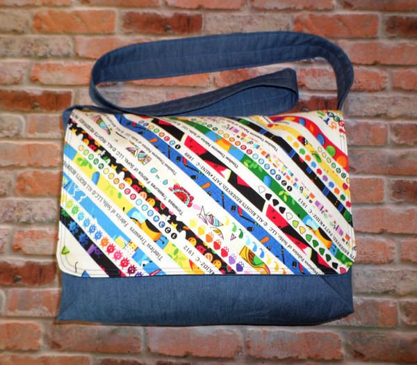 Good-To-Go Messenger Bag - free bag pattern by Andrie Designs bag patterns  Paper and PDF bag patterns  Handmade bag  Free bag patterns