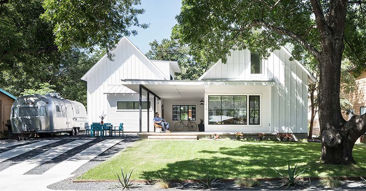 This Contemporary Version Of Traditional Texas Home Design Is Filled With Light