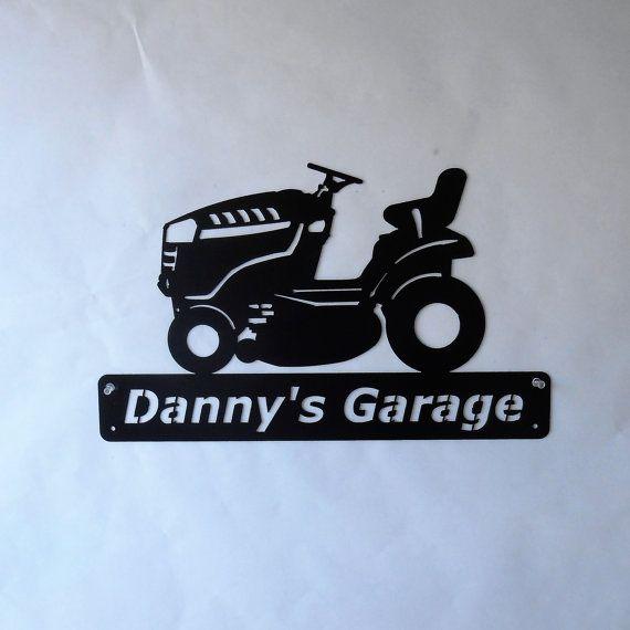 Tondeuse à gazon  Tracteur de pelouse  homme des cavernes