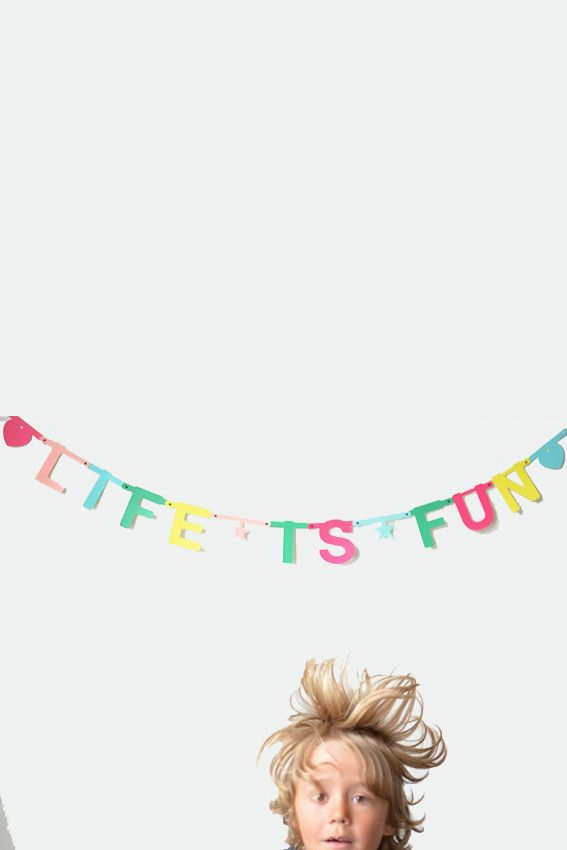 DIY word banners by OMM Design | the KID who