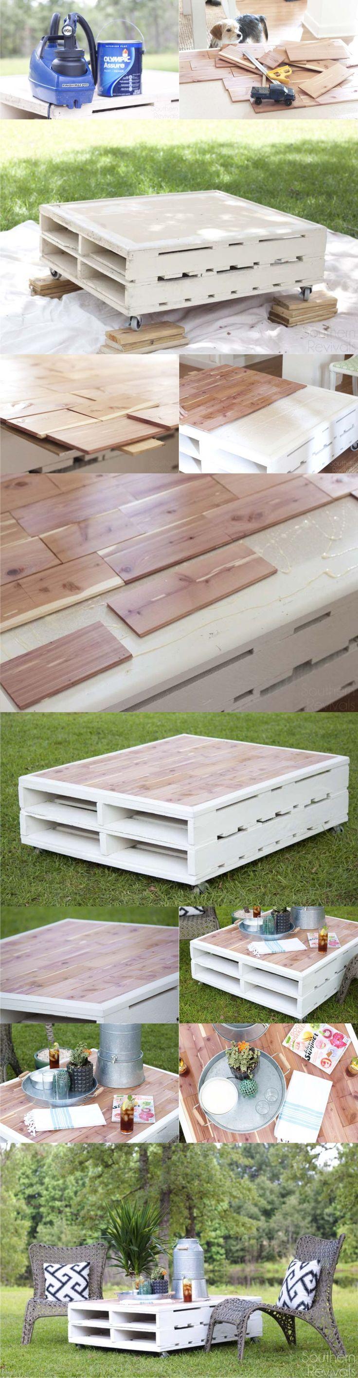 Mesa DIY con palés y laminados / Vía http://www.southernrevivals.com/