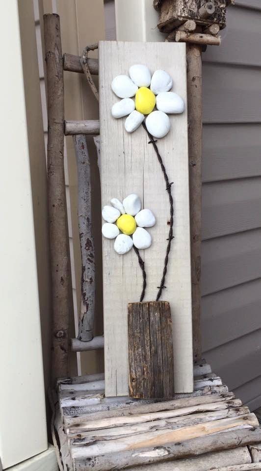 Rustic stone art flowers / rock art daisies