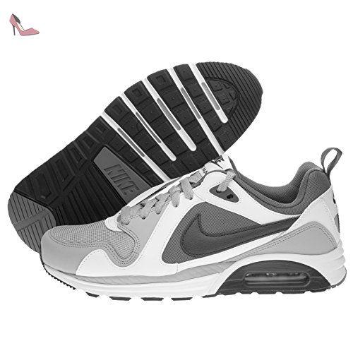 buy online 3c7d7 a1252 ... Nike Air Max Trax, Chaussures de Running Homme, Gris   Noir   Blanc ...