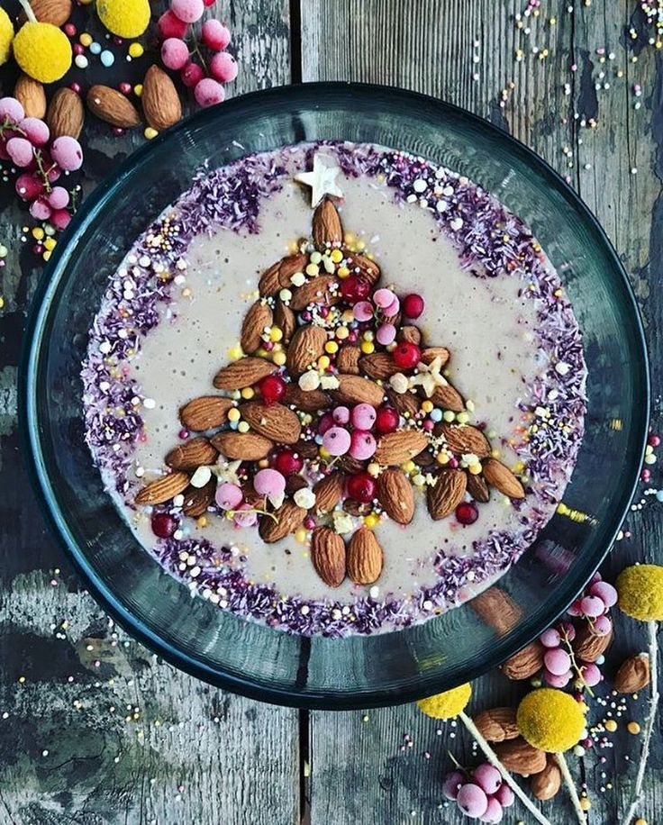 What a festive bowl of pumpkin spice nicecream made by @the_sunkissed_kitchen. Topped with an #almond tree! . #Recipe: 2 bananas 1 cup fresh almond milk (made with @australianalmonds)  1 date 1/2 tsp pumpkin pie spice . Blend and serve! If youre feeling festive tomorrow with some crunchy #australianalmonds preferably in the shape of a Christmas tree! Hahah!