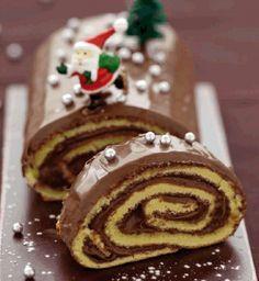Recette bûche de noël au nutella® par La : Une recette proposée par nutella®    AHHHHHHHHHHH  my mom makes this every year but i could have NUTELLA IN IT?