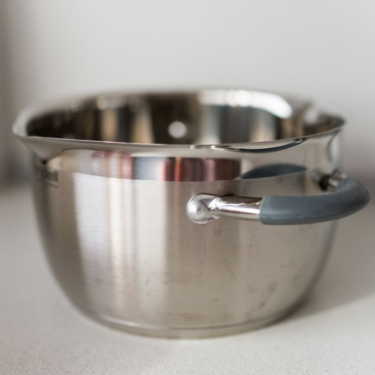 Cooking pot for a double boiler