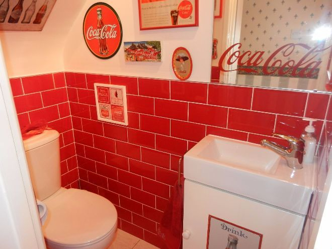 Charmant Woman Turns House Into A Coca Cola Paradise | SF Globe