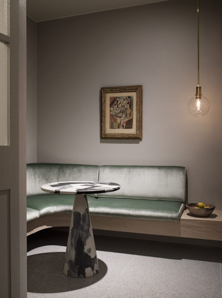 Auktionshuset Bukowskis har återinvigts efter en genomgripande renovering av de klassiska lokalerna vid Berzelii park i Stockholm. Kika på den nya vackra interiören som prisbelönta Ilse Crawford...