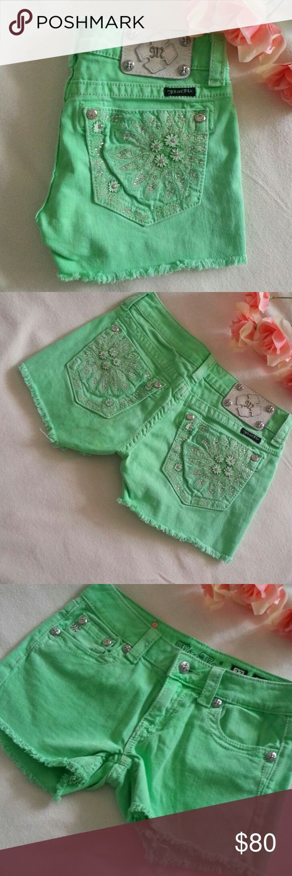 "FINAL SALE Miss Me Neon Green Shorts 27 PRICE IS FIRM X NO OFFER  Excellent condition,  Neon Green Miss Me Shorts Size 27, waist  28"" Hips 35"" Inseam 2.5"" Miss Me Shorts Jean Shorts"