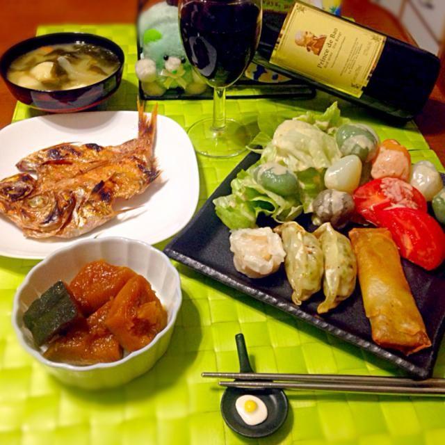 一口点心セット&蒟蒻サラダ 金目鯛開き炙り 南瓜の煮付け 味噌汁 赤ワイン - 75件のもぐもぐ - 昨晩の深夜の晩餐 by manilalaki