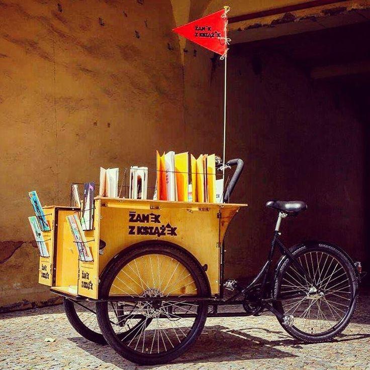 Poznan Poland, biblioteka na kółkach #LatoWMieście