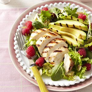 Grilled Chicken and Raspberry Salad with avacados on a bed of greens #lowCarb