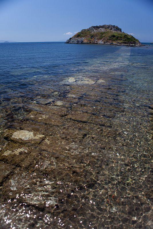 Gumusluk, underwater causeway to Rabbit Island, Bodrum Peninsula Turkey .   Flickr - Photo Sharing!