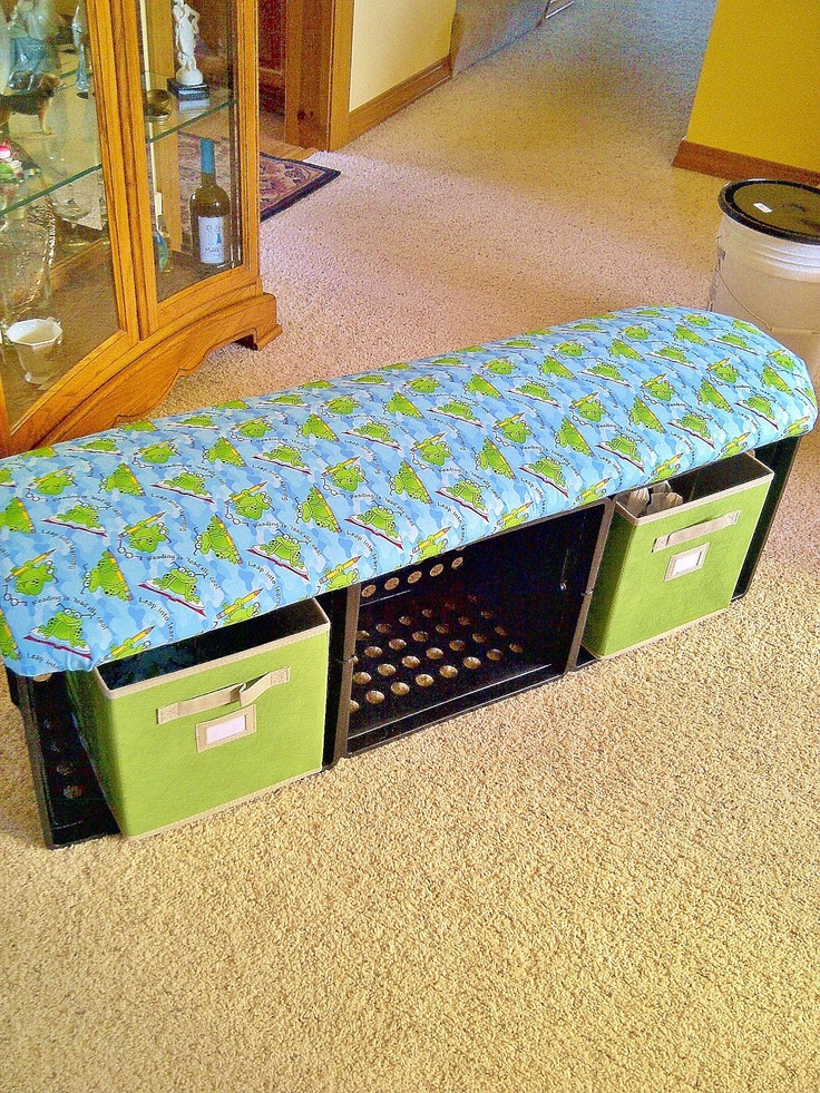 New reading bench!!! I so need to make this for my classroom.