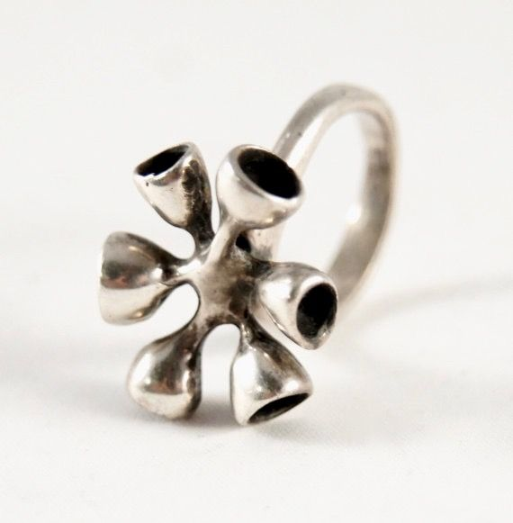 """Vintage modernist sterling silver """"octopus"""" ring. Possibly made in Finland, 1970s.   peculiarjewelry.com x etsy"""