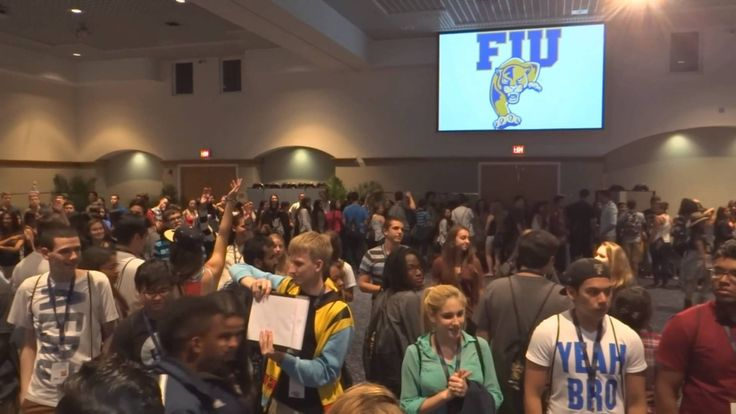 2014 FIU Freshman Orientation Playfair - YouTube