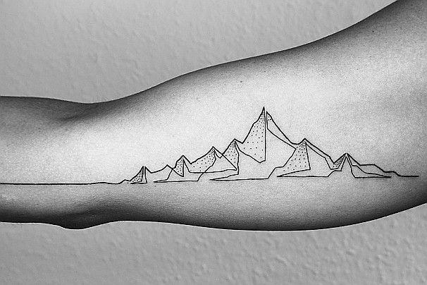 Er hat einen lukrativen Unternehmensjob aufgegeben, um diese erstaunlichen einzeiligen Tattoos zu kreieren