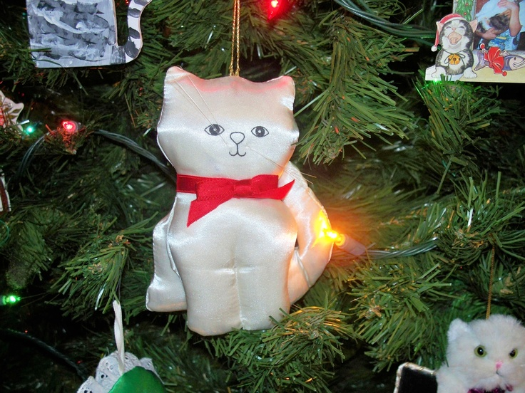 1000 images about fancy feast christmas cat ornaments on for Cat christmas ornaments craft