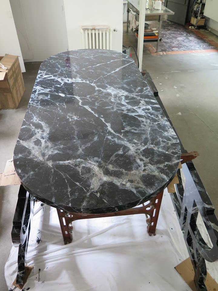 Black faux marble by Julien Gautier.