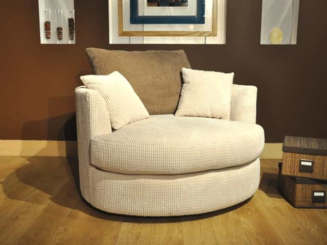 17 best ideas about big comfy chair on pinterest cozy for Comfy armchair with ottoman