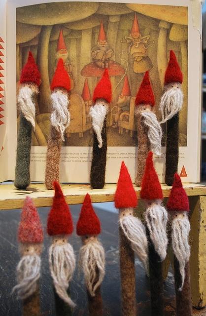 Gnome needle holders. Too cute!
