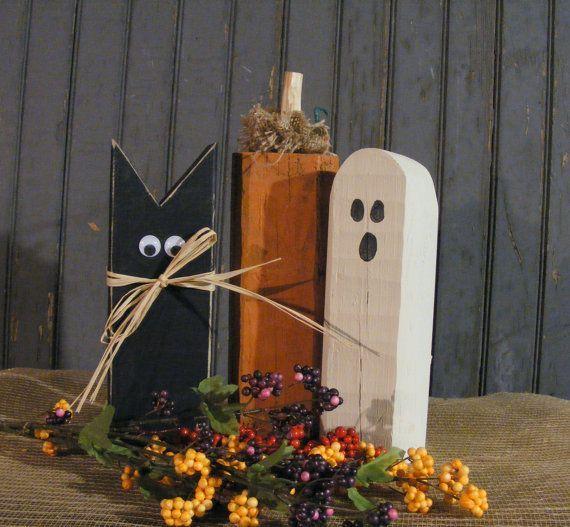 Rustic Halloween Black Cat, Pumpkin, Ghost. Primitive Halloween Decor - Rustic Reclaimed Wood. #FallWoodCrafts