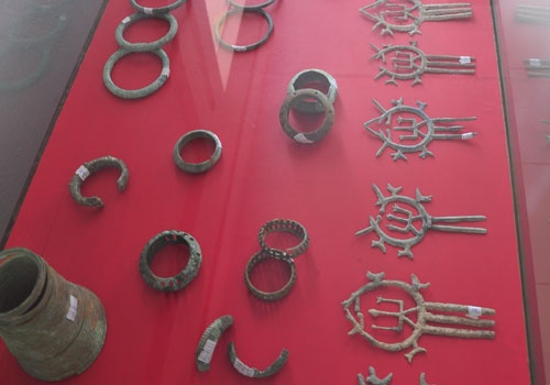 Dong Son jewelry