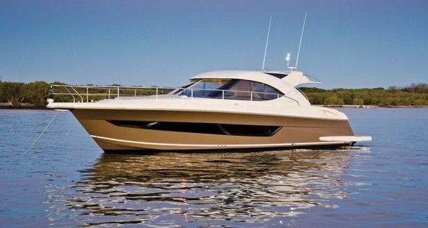 4400 Sport Yacht