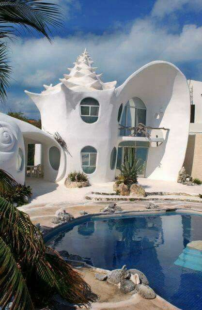 Cob house!  This is so awesome looking! I'd live here! Lol...sj