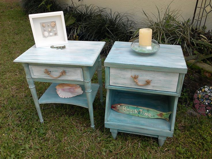 Beachy night stands painted with a number of Annie Sloan's paint. SEE MORE PICS OF THIS SET HERE https://www.facebook.com/media/set/?set=a.916337818411486.1073741946.602995869745684&type=3