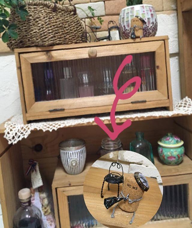 初めて作ったシャンパンワイヤー椅子&コルク人形⑅◡̈* #インテリア雑貨#ナチュラルインテリア#diy  #シャンパンワイヤー#シャンパンコルクストッパーで作るイス#シャンパンコルク人形#ワイン木箱 #champagne cork#interior#winebox
