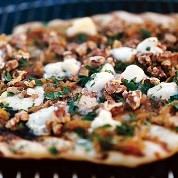 Caramelized-Onion and Gorgonzola Grilled Pizza Recipe