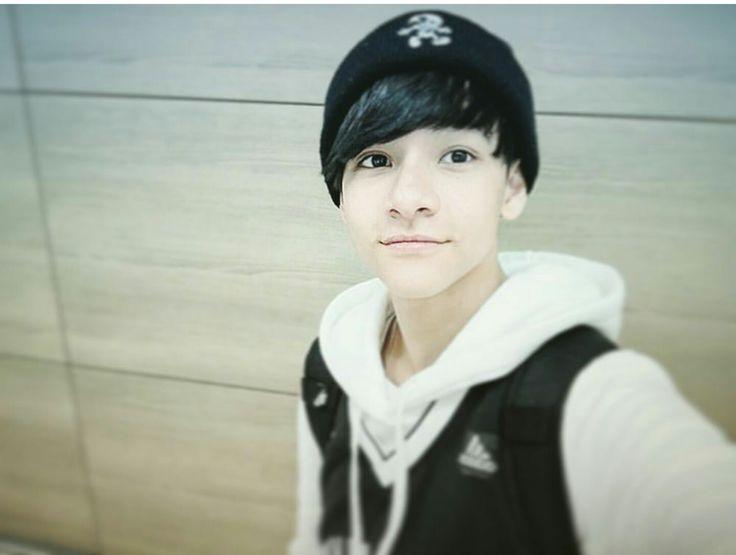 Ex member Seventeen, Samuel (Punch)
