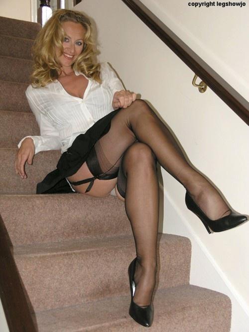 Lady Joanne ----> http://www.legshowjo.com: Sexy Legs, Cougar, Girl, Legshowjo, Milf S, Mature Women, Hot, A Nylons Stockings