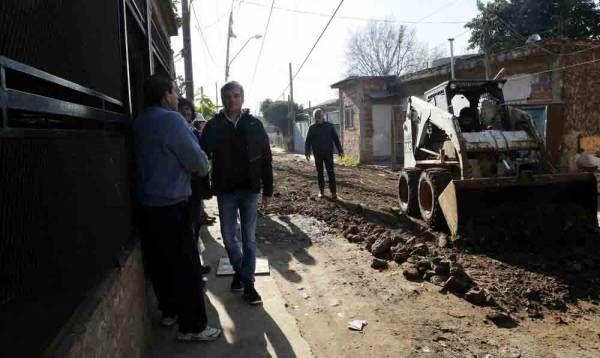Zabaleta recorrió la obra de urbanización del barrio San Jorge