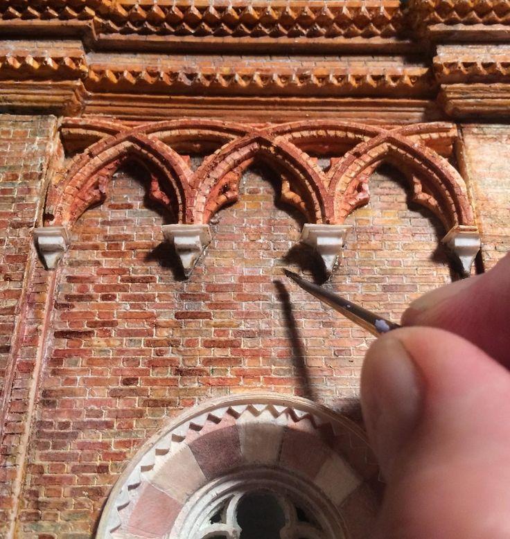 Artista cria modelo em escala de uma Catedral Gótica Italiana,Cornija. Cortesia de Ryan McAmis
