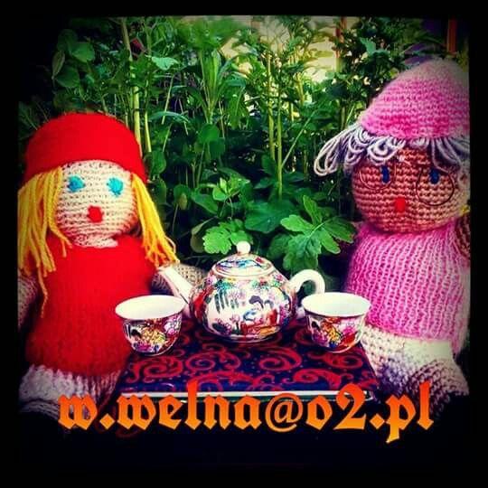 W oczekiwaniu na mecz Polska - Litwa ⚽ Trzymamy kciuki  Liczymy na puchary!  Jesteśmy z Wami!  Miłego wieczoru! Na zdrowie!    #druzynanarodowa #reprezentacja #reprezentacjapolski #lewandowski #blaszczykowski #laczynaspilka #wełna #szydełko #handmade #rekodzielo #redhood #grandmother #weekend #football #Kraków #coffe