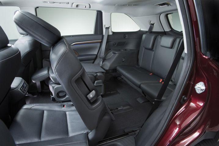 Awesome Toyota Highlander 2017: 2017 Toyota Highlander interior, leather rear seats...