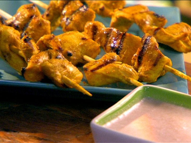Grilled Chicken Curry with Peanut Dipping Sauce Recipe : Food Network - FoodNetwork.com