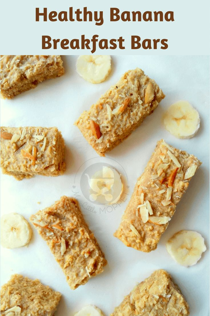 Breakfast is often a challenge for kids, but it's the most important meal of the day! Make things interesting with this healthy banana breakfast bar recipe! via @MyLittleMoppet