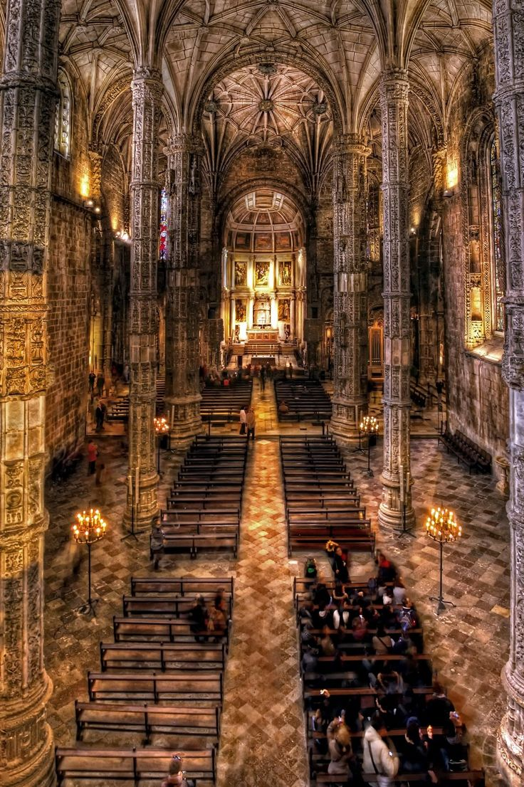 Mosteiro dos Jeronimos (Lisbon, Portugal). Amazing church place.