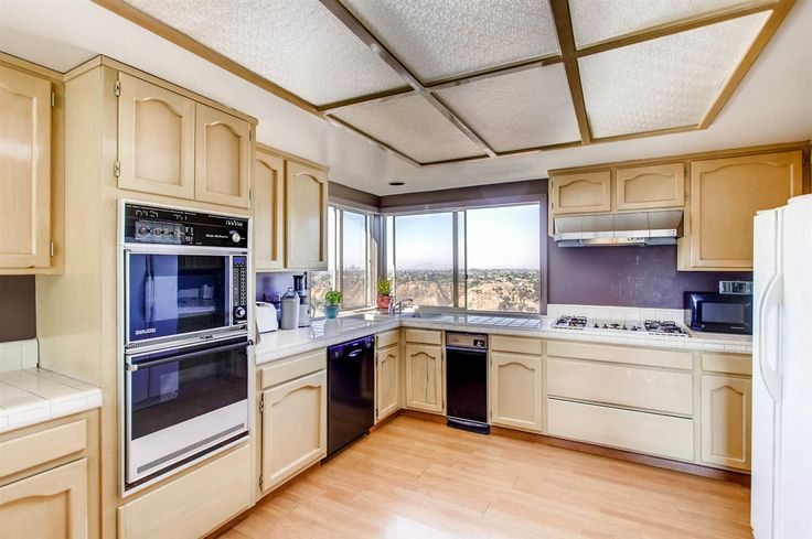Home for sale at 5645 Soledad Mountain Rd., La Jolla, CA 92037. $1,025,000, Listing # 170026888. See homes for sale information, school districts, neighborhoods in La Jolla.