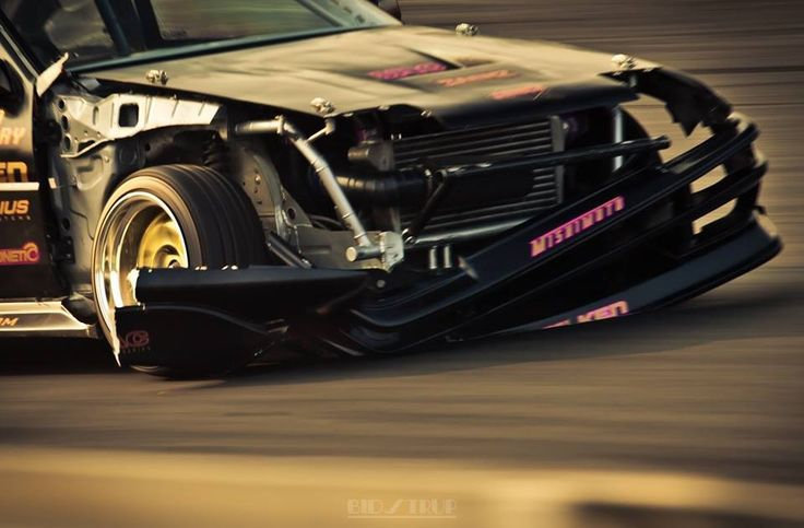 Nissan s13 drift nissan s13 pinterest nissan dream for Garage nissan paris