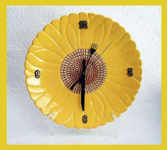 Kitchen Wall Clock Daisy Design