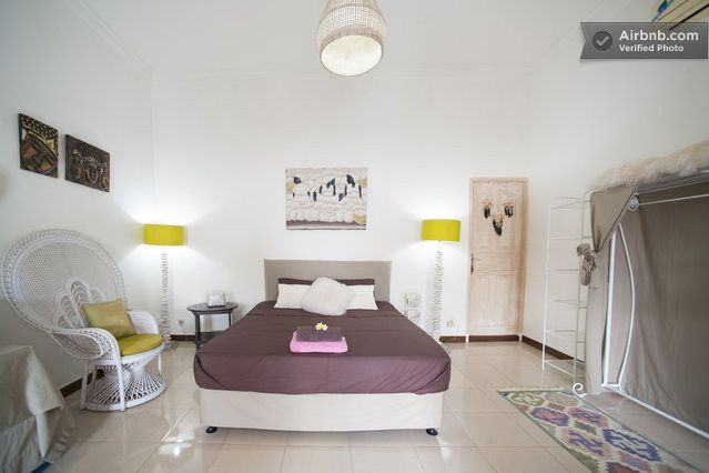 Cosy bedroom, queen size bed