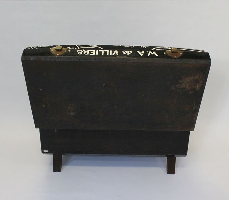 Black Trunk Suitcase Chair